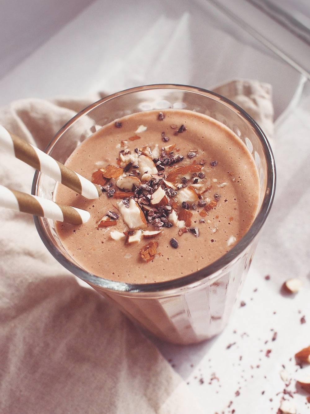 Smoothie orzechowo czekoladowe